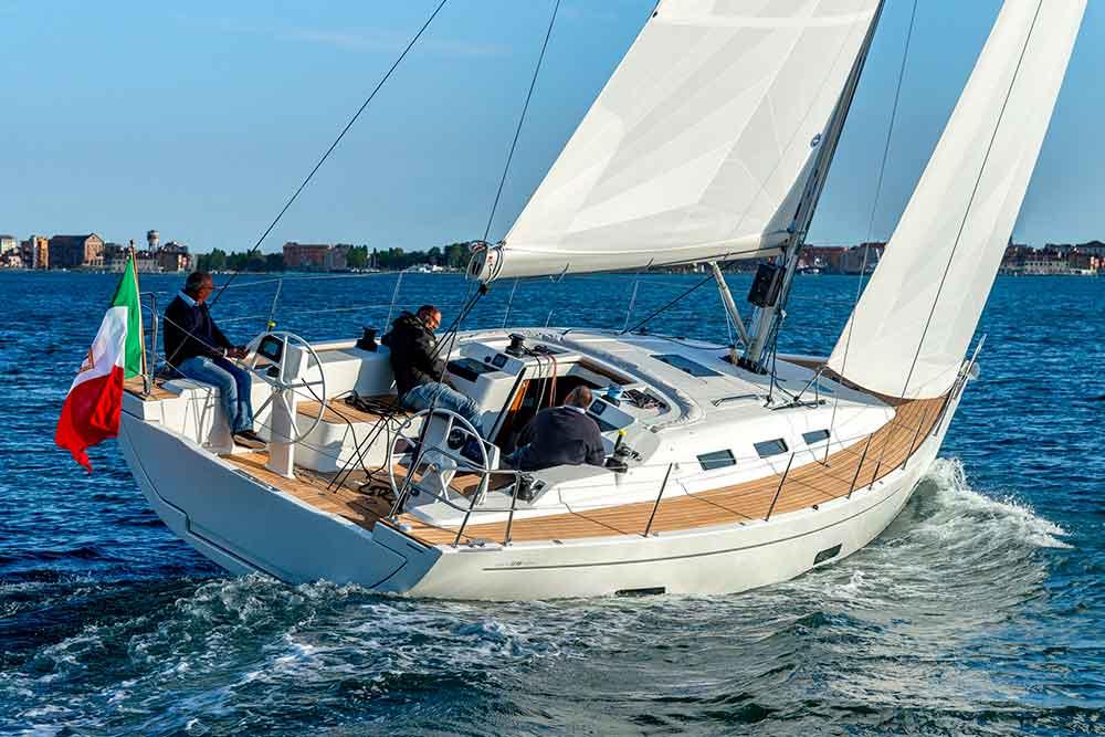 Italia Yachts 12,98