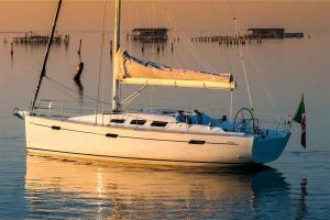 Italia Yachts 10,98 (7)