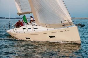 Italia Yachts 12,98 (1)