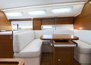 Italia Yachts 12,98 (24)