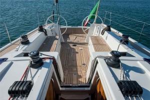 Italia Yachts (12)