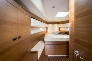 Italia Yachts (18)