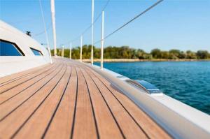Italia Yachts (8)